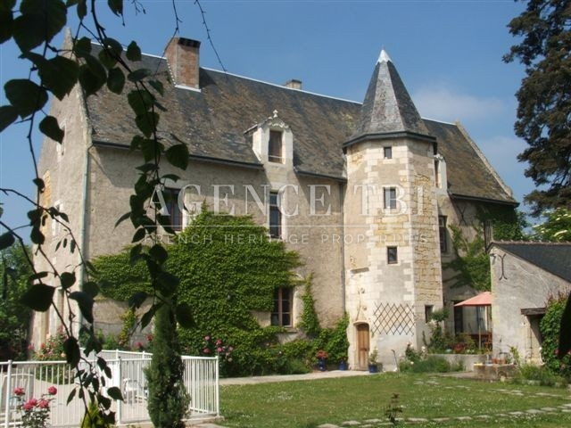 manoir a restaurer touraine