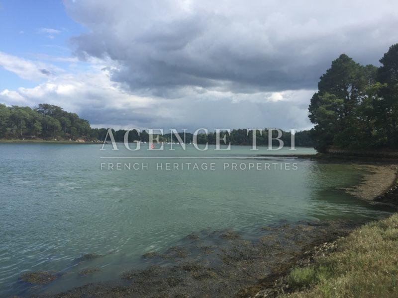 867 TBI pieds dans l'eau vue mer château manoir morbihan Trinité sur mer